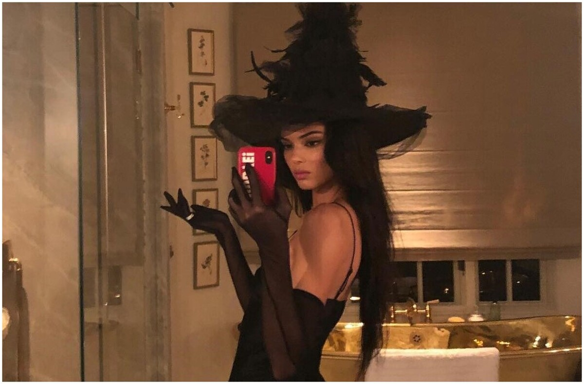 Kendall Jenner baignoire en or