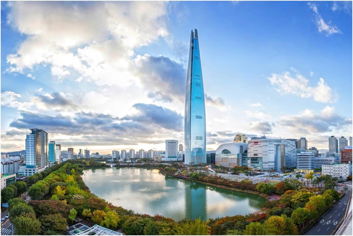 La Lotte World Tower